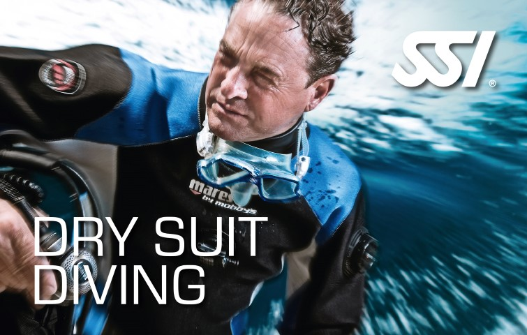 472532 Dry Suit Diving Small